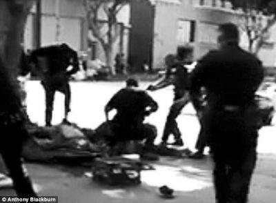 洛杉矶警察数枪射杀流浪汉