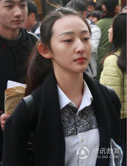 中戏艺考17岁软妹被赞女神 大眼小脸颜值爆表