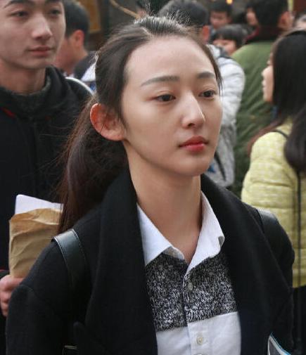 中戏艺考17岁软妹被赞女神 颜值爆表