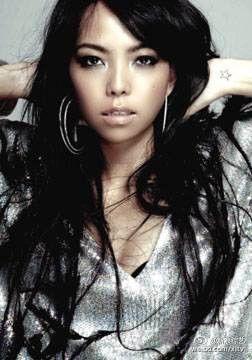 我是歌手第三季第十期:郑淳元听海夺冠 羽泉乐队助阵李健