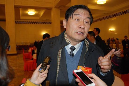 政协委员王兴东谈反腐影视作品创作