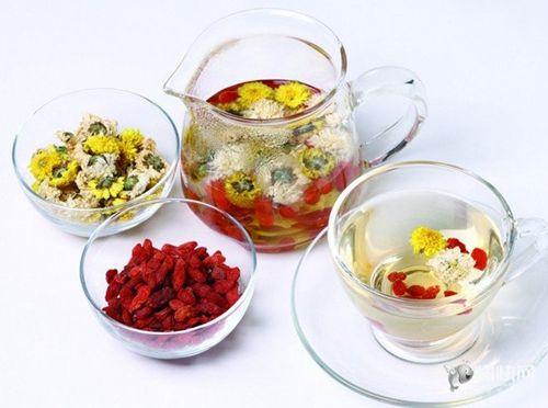 春季该喝3种水 茉莉花消春困、蜂蜜水润春燥