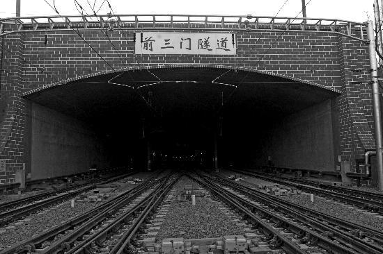 """北京站至西站""""擺渡火車""""3月20日試跑(圖)"""