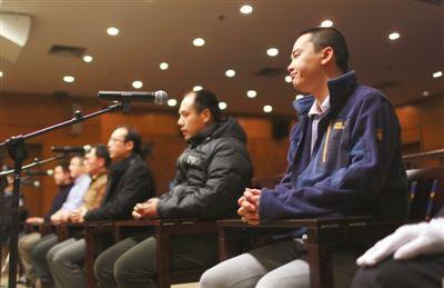 昨日受审的6名被告人,均在北京从事教育培训工作。新京报记者 浦峰 摄