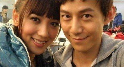 何炅与女友亲密照曝光 助手证实:交往很多年