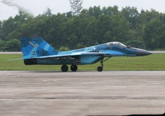 缅甸流弹炸云南民房 知情者称或因飞行员失误