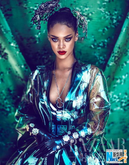 蕾哈娜《芭莎》大片 妖艳歌姬造型身姿凹凸有致