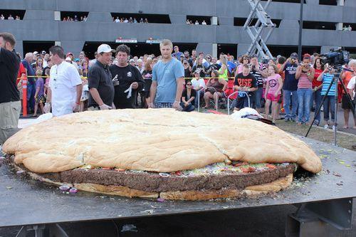 世界人體之最全破吉尼斯 最大臀部2.4米