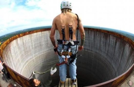 世界人体之最全破吉尼斯 最大臀部2.4米