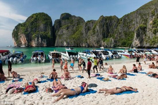 泰国制作短片提醒中国游客不得当众脱衣(图)