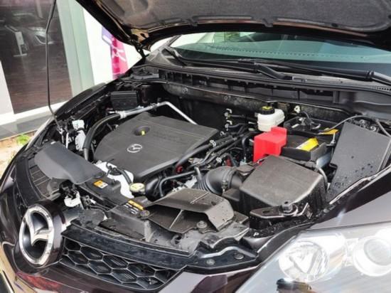 一汽马自达  2.5L 自动 发动机主体特写
