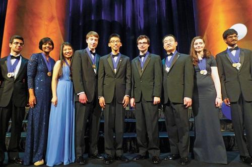 美国英特尔科学奖揭晓三华裔学生上榜一人夺冠
