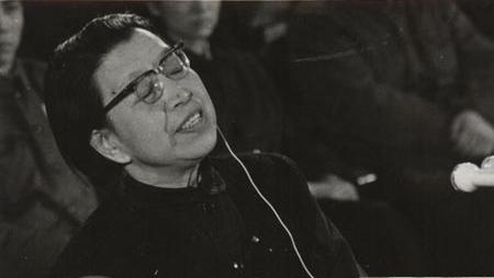 江青服刑10年后自杀:主席你的学生来见你了