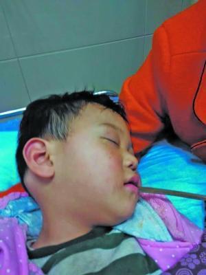 孩子被送到医院时已昏迷
