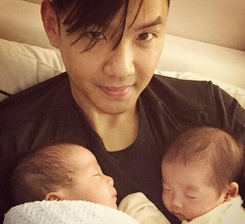 范玮琪双胞胎儿子满2个月 黑人晒照撞脸钟汉良