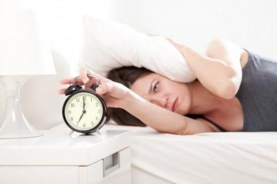 疾病指南:早起照镜子看5个地方查健康