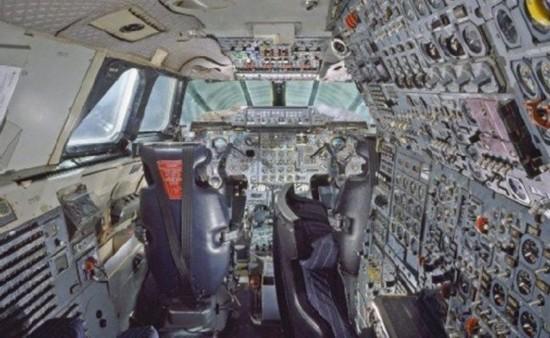 飞机驾驶舱演变史:从驾驶舱演变看百年航空发展
