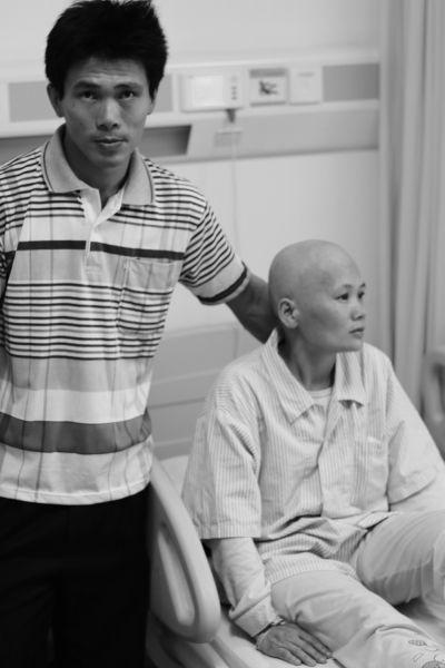 农妇患乳腺癌欲放弃 儿女捡废品为母亲筹钱