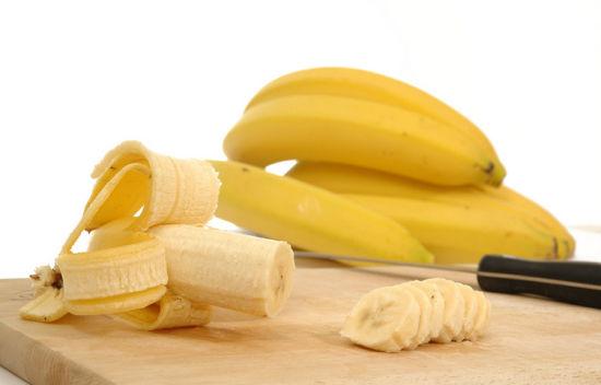 吃根香蕉、菜里放点姜 5种食物缓解烧心