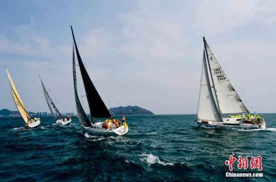 环海南岛国际大帆船赛三亚帆船港开赛
