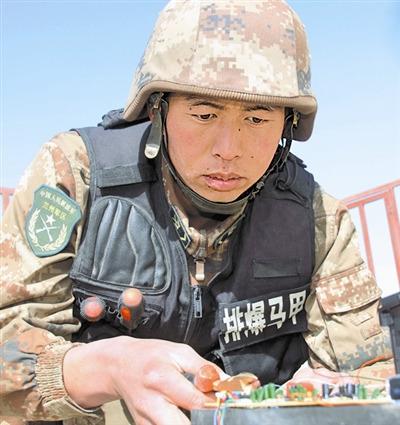 束缚军士官5年烧毁20多类繁难爆破安装上百哑弹