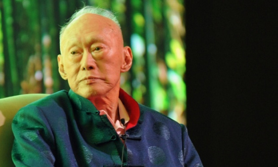 李光耀逝世享年91岁 多家网站黑白页面纪念