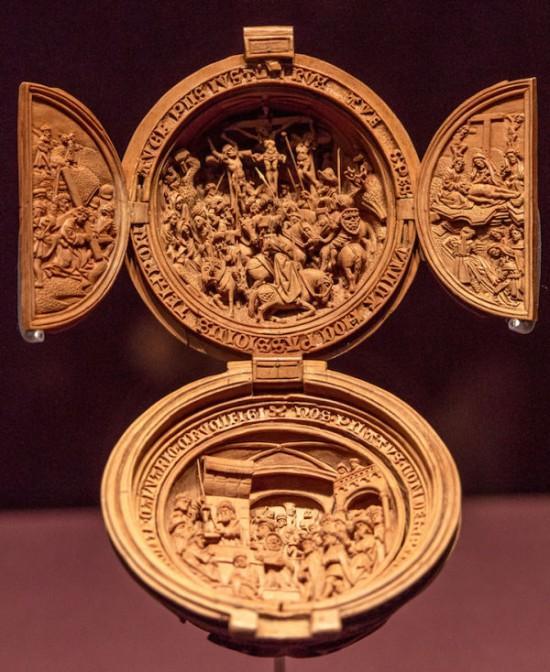 16世纪古典欧式木雕念珠奢华精美(组图)