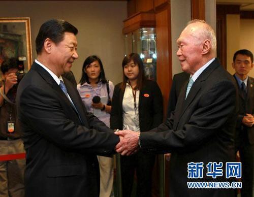 组图 历任中国党和国家领导人与李光耀会见珍贵合影图片