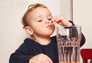 四种饮食习惯最伤肾:不爱喝水饮食偏咸