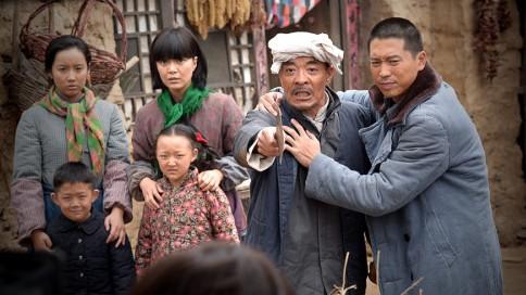 平凡的世界 53 54集剧情介绍 晓霞去世 少平遇外星人