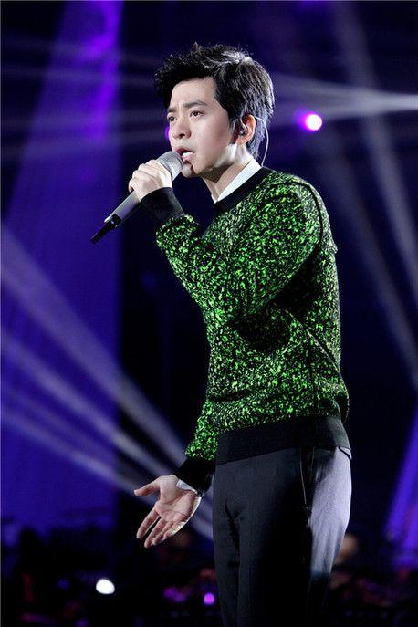 《我是歌手》五轮投票选'歌王' 网友:太不容易了