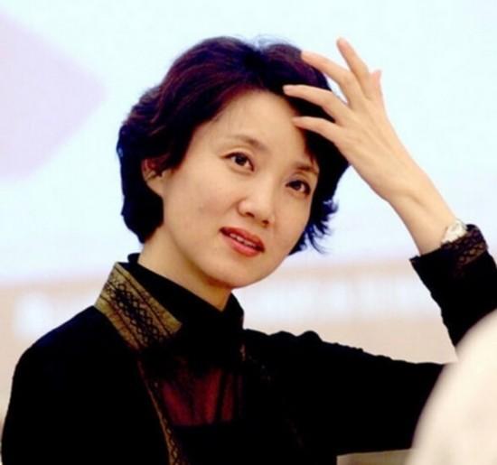 不老女神李修平 在《新闻联播》里美了26年