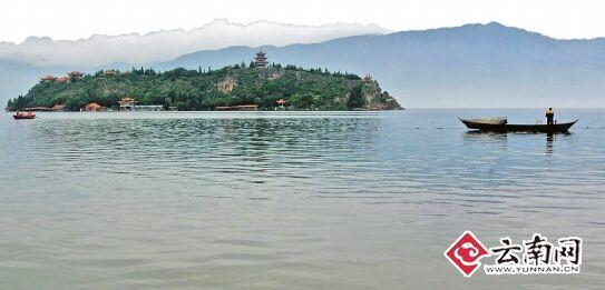 玉溪:抚仙湖海岸线划分为3类一级保护区内禁游泳