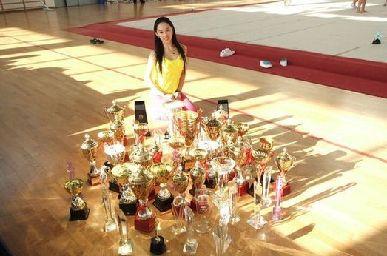 浙大美女体育老师郭虹颜值爆表 校园女神玩的就是清纯