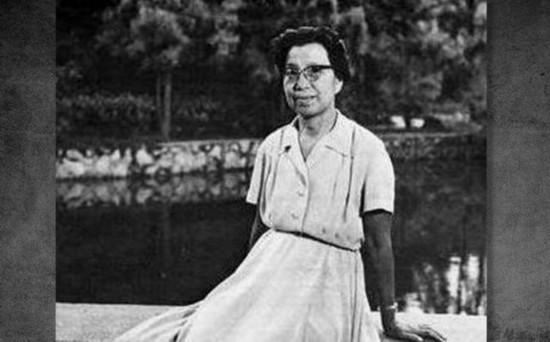 1976年10月被中央政治局审查。1977年7月,江青被永远开除出党,1981年被判处死刑,缓期2年执行,后依法减为无期徒刑。图为江青照片。