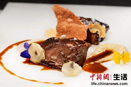 到北京巴罗洛意大利餐厅享美食看时装秀(图)