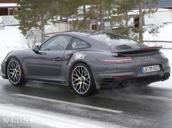 曝新款保时捷911 Turbo S谍照 九月发布