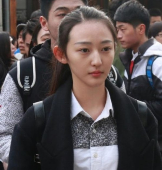 中戏艺考现女神级考生 17岁软妹颜值爆表