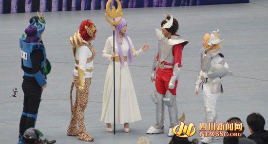 (从左至右)李晨、郑恺、杨颖、邓超、王祖蓝