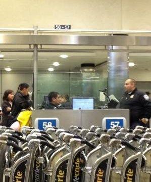 华人赴美时嫌海关问话��嗦因不礼貌被拒绝入境