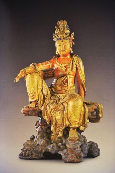 木雕水月观音像  金 高114.2厘米 乔治・尤莫霍浦路斯旧藏