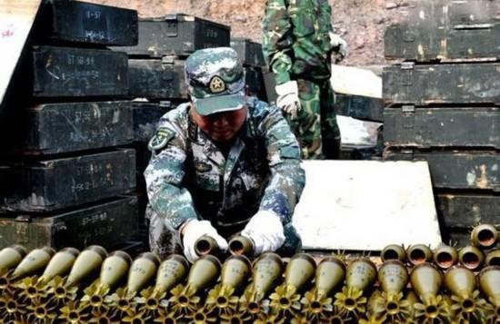 解放军一大坑销毁弹药没炸 工程师冒险爬去引爆
