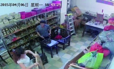 海口一店主称被骗走6100元商品 警方介入