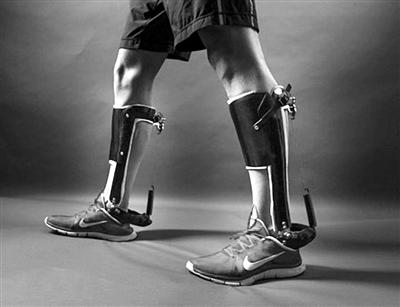 美国研究人员发明助行省力外骨骼鞋靴