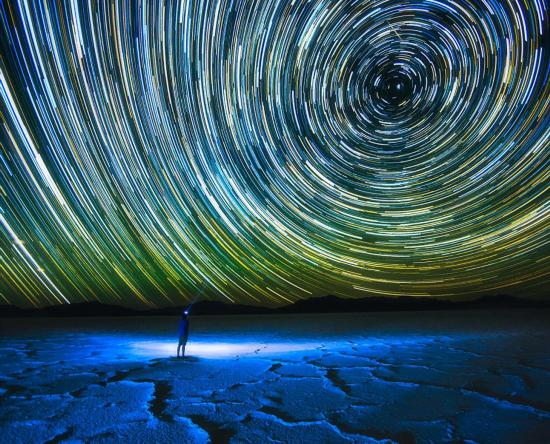 摄影师环球旅行拍摄唯美风景照