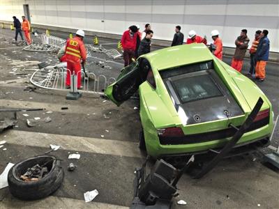 北京隧道车祸兰博基尼维修费至少200万挂临时牌照