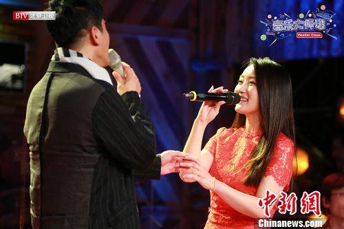 """杨钰莹毛宁再牵手合唱韩磊回应""""侵权门""""(图)"""