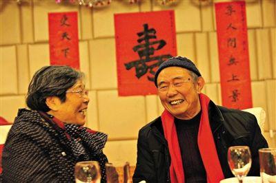 今年1月17日,路月浦八十大壽,王文黎專程趕到南京祝賀。
