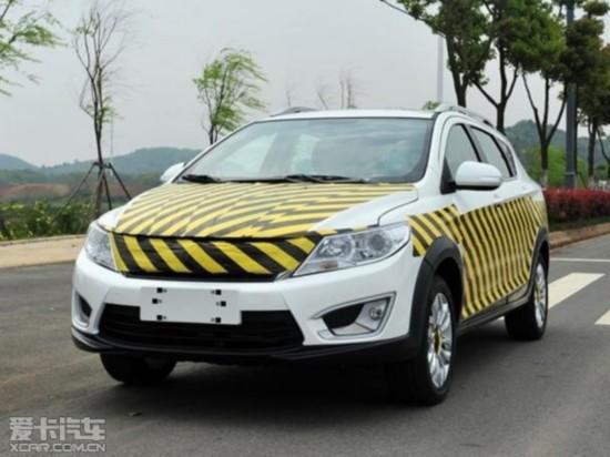 东风风神全新小型SUV谍照 上海车展亮相