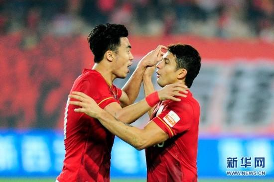 (体育)(2)足球――中超:广州恒大胜辽宁宏运
